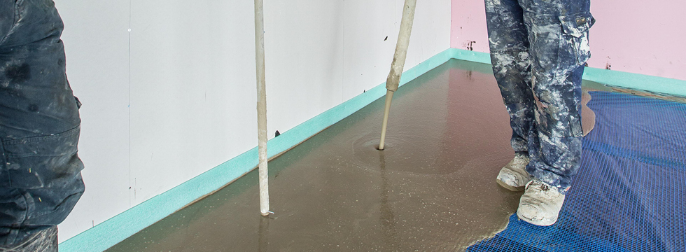 Self Leveling Screed : Self levelling screeds sub floor resin